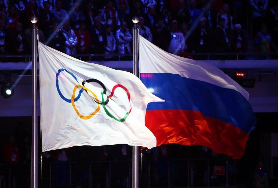 Les anneaux olympiques ne font plus bon ménage avec le drapeau russe...