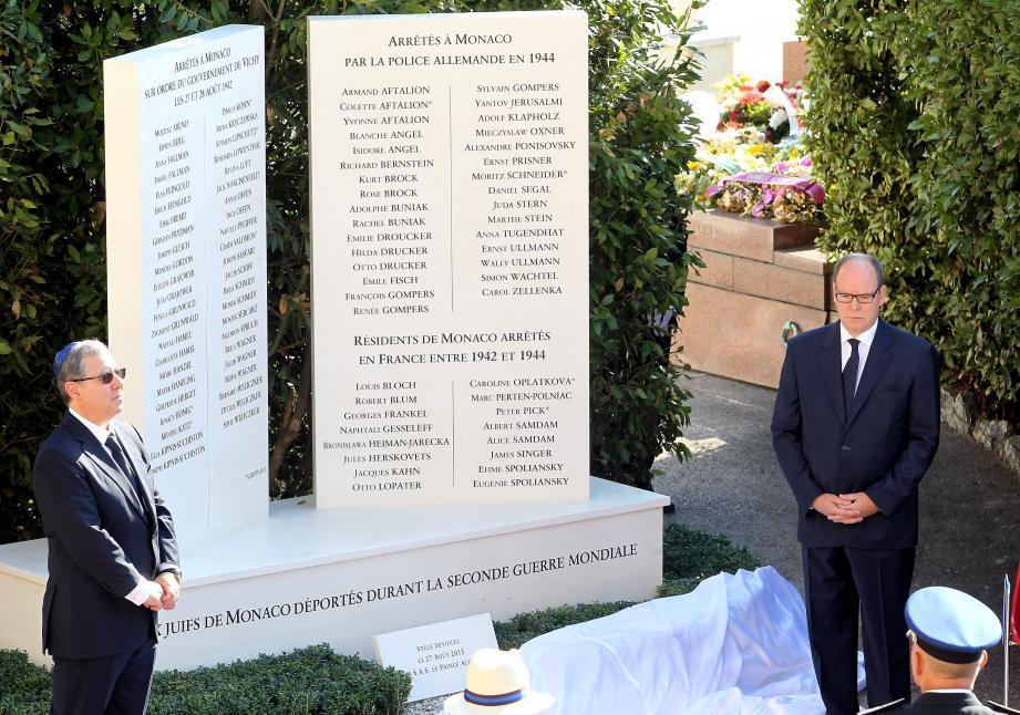 Une stèle portant les noms des juifs de Monaco déportés durant la Seconde Guerre mondiale, a été dévoilée en 2015, à côté du monument aux Morts de la Principauté.