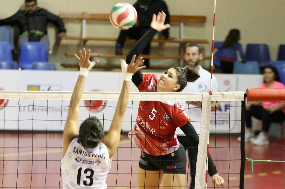 Jaali Winters et les Raphaëloises ont réalisé une nouvelle performance de haut niveau à Béziers pour s'imposer au bout du suspense.