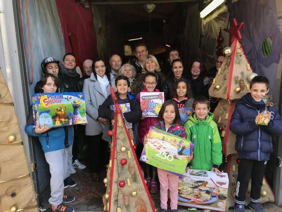Les enfants et seniors de Lépante ont été gâtés par le comité de quartier.