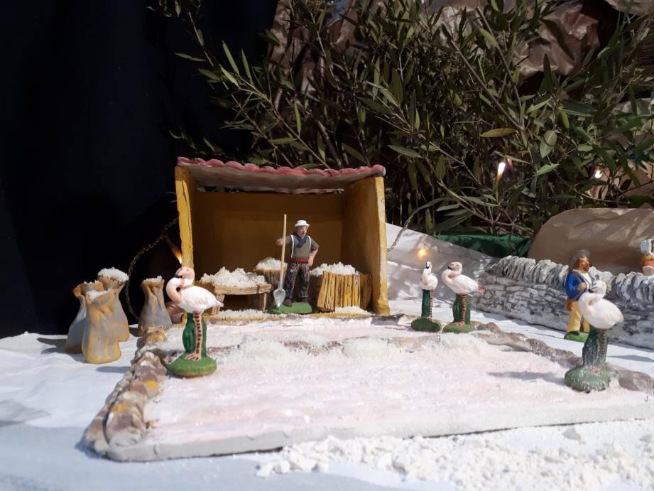 Détail de la crèche à la Galerie des Arts : la récolte du sel aux salins.