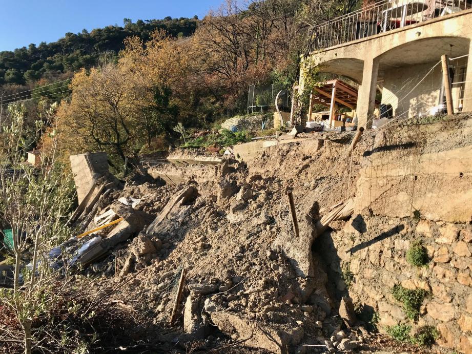 Le mur de soutènement s'est effondré dans la nuit de vendredi à samedi.(DR)