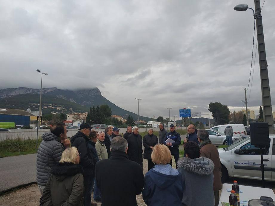Les échanges entre le maire et les membres du CIL de La Coupiane Valsud ont permis de rassurer les habitants sur les aménagements à venir en parallèle des travaux de l'autoroute A57.