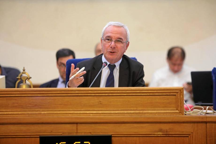 Le maire, Jean Leonetti, a présenté son budget principal pour l'année 2020.