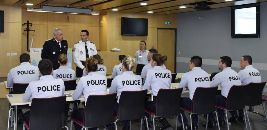 12 gardiens de la paix stagiaires sont affectés à Cannes.(DR)