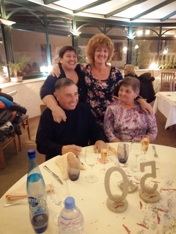 Josette et Joseph Lamberti avec leurs deux filles Nadine et Murielle. (DR)