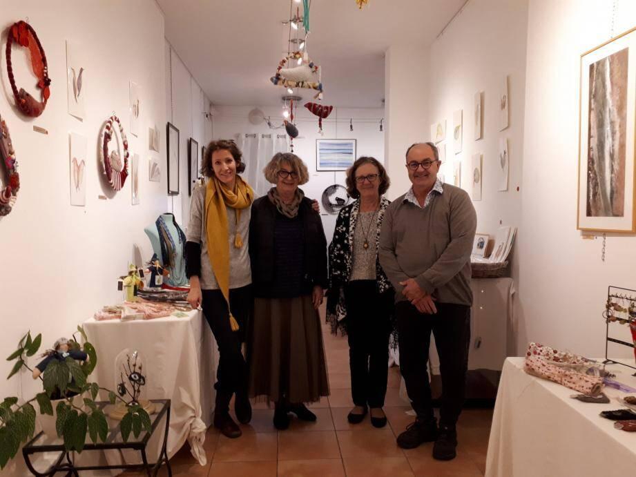 Élise Picot, M.C. Hours, Marie-Claire Bruni et Vincent Tessereau.