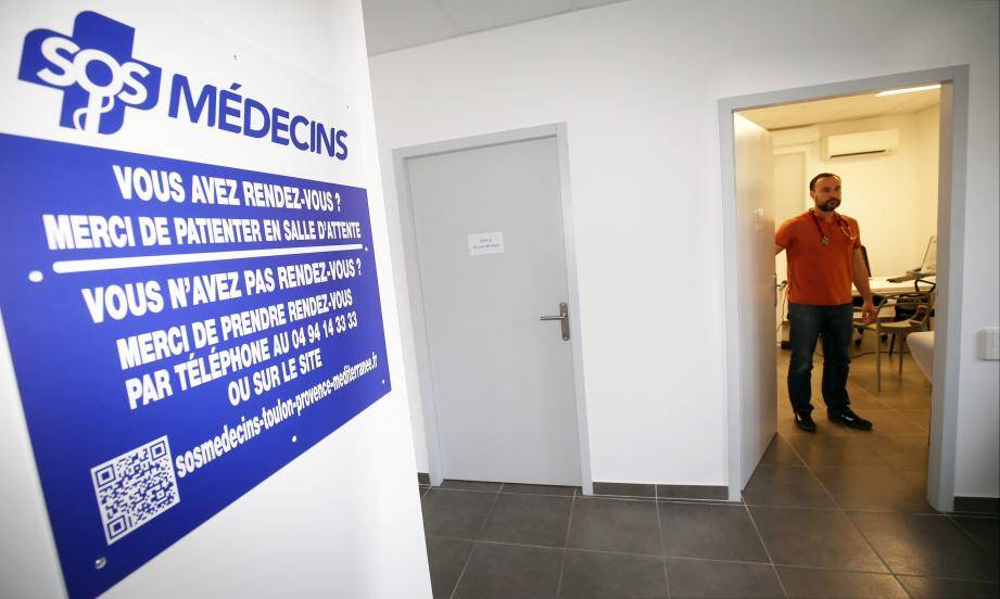 Le centre de consultations de La Seyne (ci-dessus) dispose de deux box de soins et d'une salle d'attente. Il est ouvert sept jours sur sept mais reçoit uniquement sur rendez-vous pris dans la journée, par téléphone ou via internet.