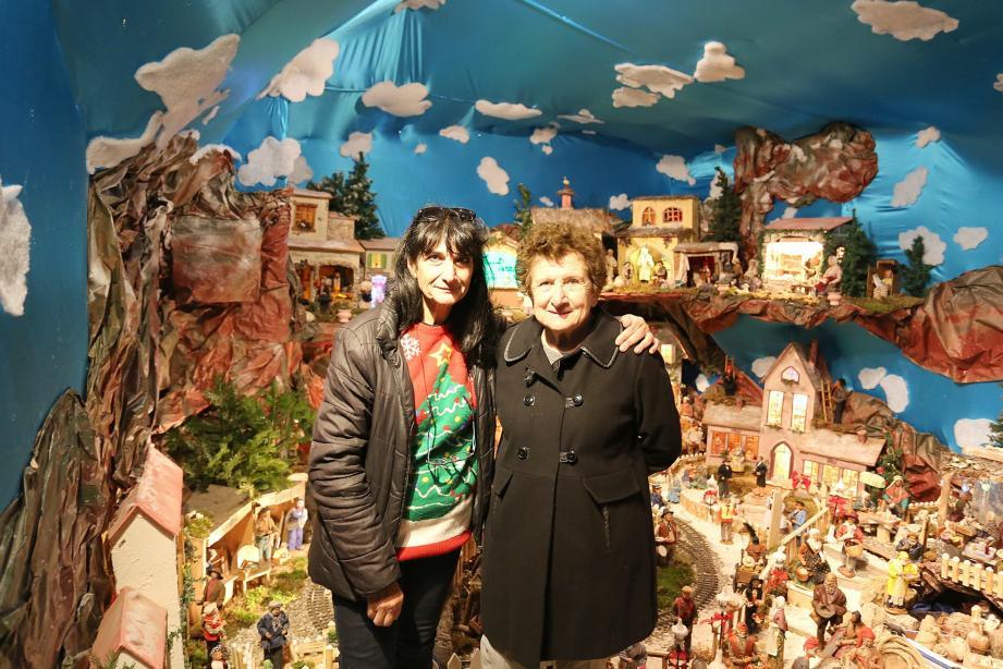 Muriel Bollone et Marie-Jo Eusebi sont à la tête d'un village de plus de trois cents santons.