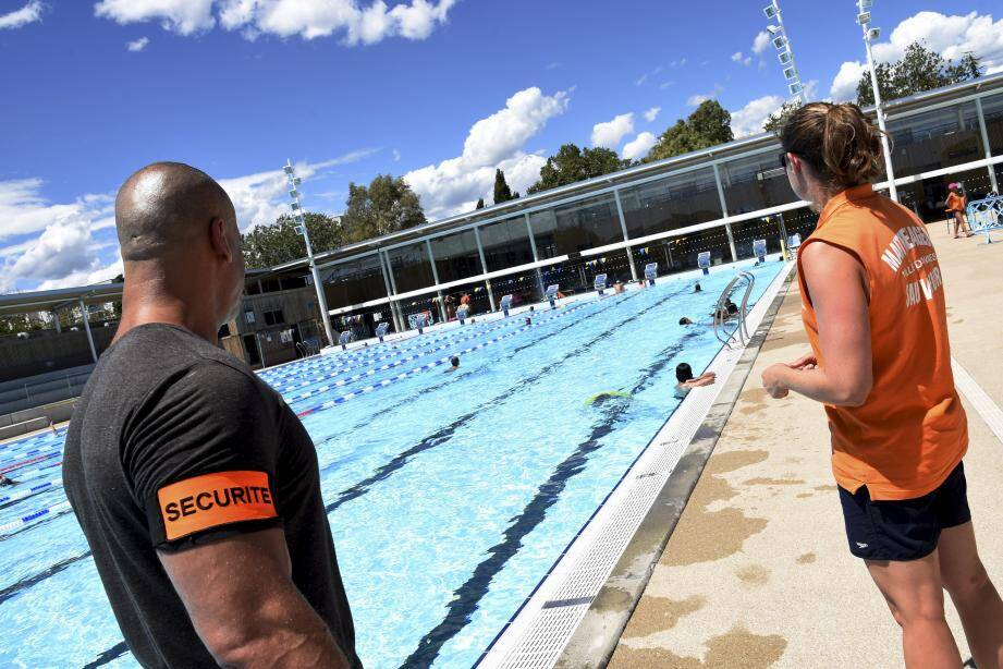 """L'interdiction de la tenue intégrale était déjà confirmée dans le règlement des piscines communales. Une """"charte républicaine » s'applique désormais à toutes les associations sportives et de jeunesse."""