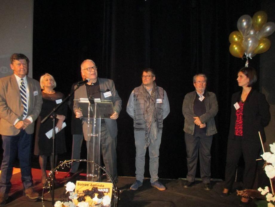 Le directeur de l'ADAPEI, André Gaucher, était entouré du président de l'association, Patrick Marchetti et du maire de La Roquette, Jacques Pouplot.