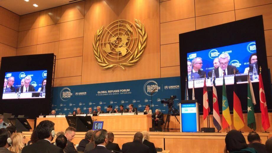 Ce premier Forum a réuni un grand nombre de chefs d'État, de chefs de gouvernement et de ministres.
