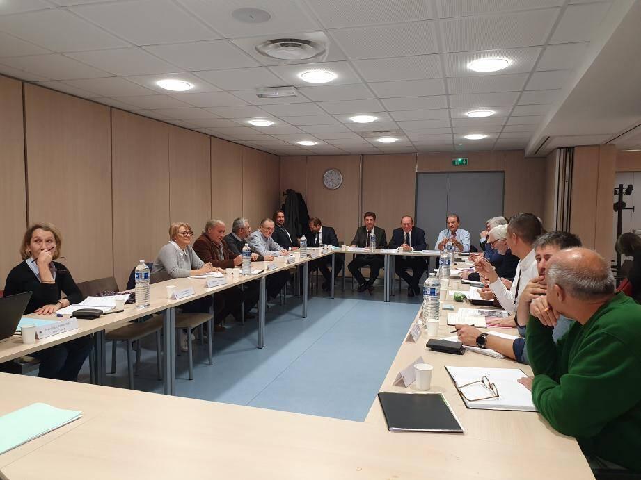 Les élus de la Carf se sont réunis autour de Jean-Claude Guibal et Charles-Ange Ginésy, pour dresser une liste des premiers chantiers à engager après les intempéries du 20 décembre.