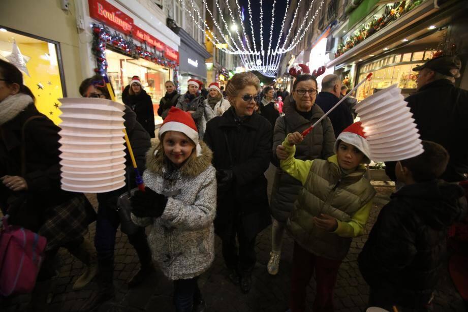 Si en 2015 la descente aux lampions a marqué le temps fort des festivités de fin d'année, la chaîne humaine devrait en faire de même pour 2019.
