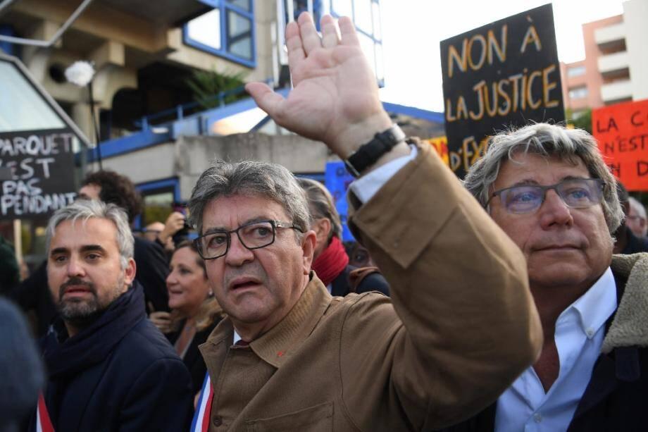 Le leader de la France insoumise Jean-Luc Mélenchon arrivant au tribunal avec les députés Alexis Corbière et Eric Coquerel, à Bobigny le 19 septembre 2019.
