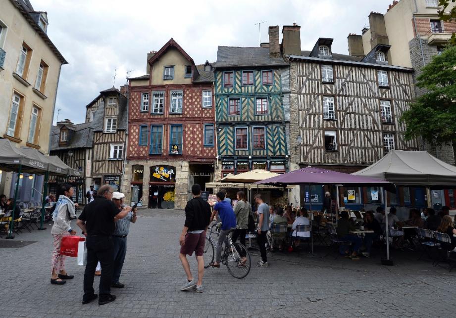Rennes devient à partir du 1er janvier la première métropole en France à bannir les terrasses chauffées des bars et restaurants