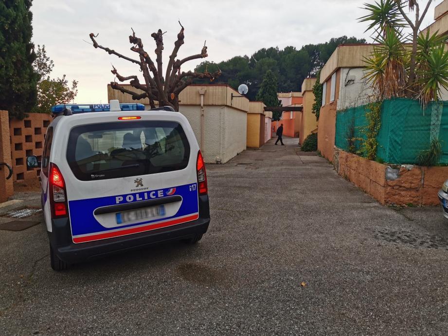 Un homme blessé par sa compagne à l'arme blanche dans un appartement du foyer Adoma au Cannet.