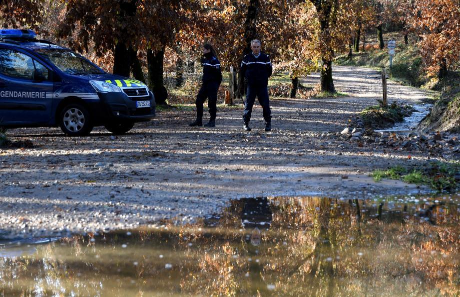 L'accès à la route de la  forêt Royale est fermé à toute circulation.