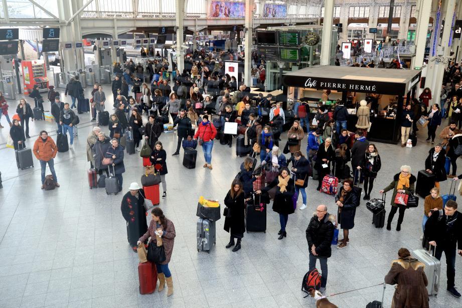 De nombreux usagers impactés par la grève dans les transports.