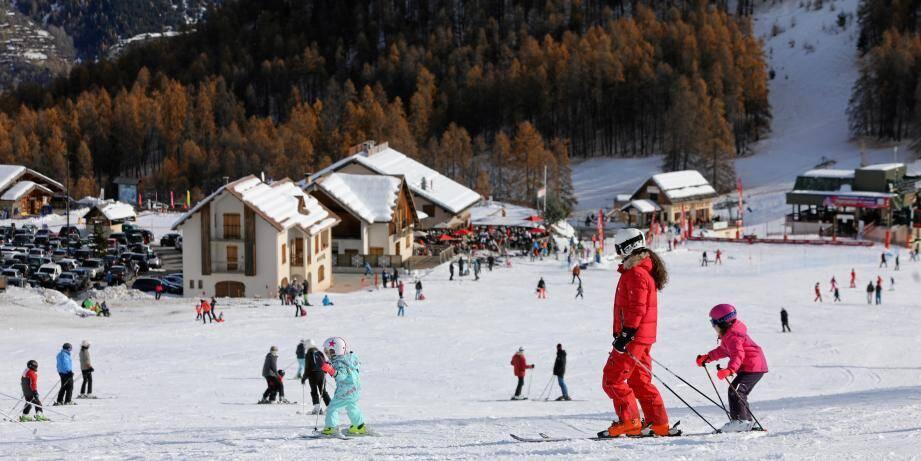 La saison du ski, c'est parti. Comme ici à Auron. Tout schuss !