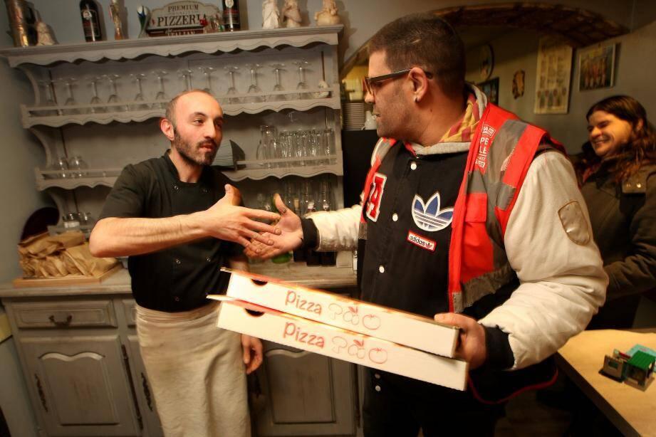 Pour le repas de Noël des sans-domicile fixe, l'association Sendra a lancé un appel au don auprès d'une quinzaine de pizzerias. Toutes ont répondu présent, à l'image de La Petite Agérola.