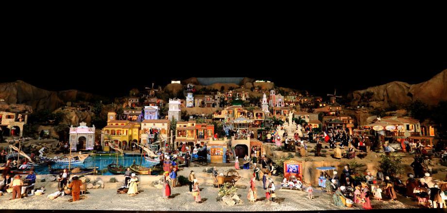 Les 125 m2 de crèche éclairée et animée, visibles sur le marchéde Noël jusqu'au 31 décembre.