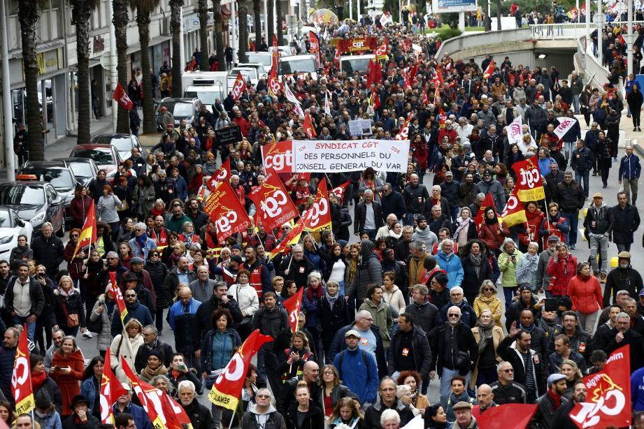 10.000 manifestants contre la réforme des retraites à Toulon.