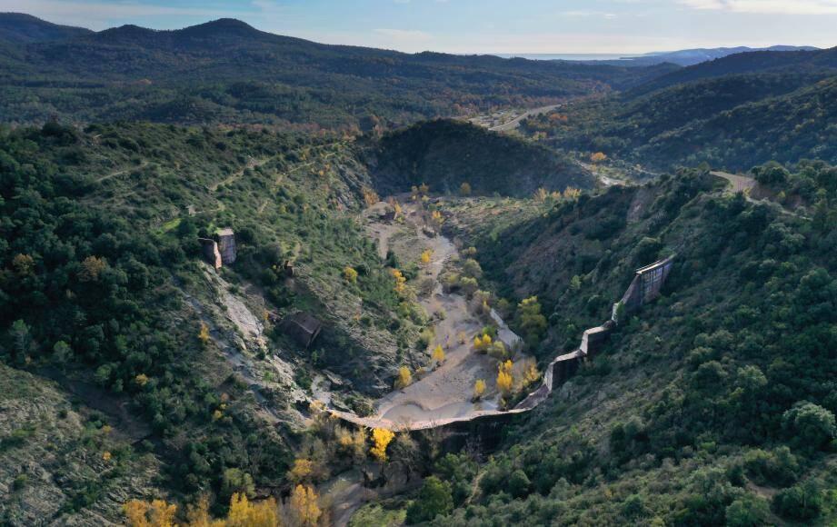 Les ruines du barrage de Malpasset
