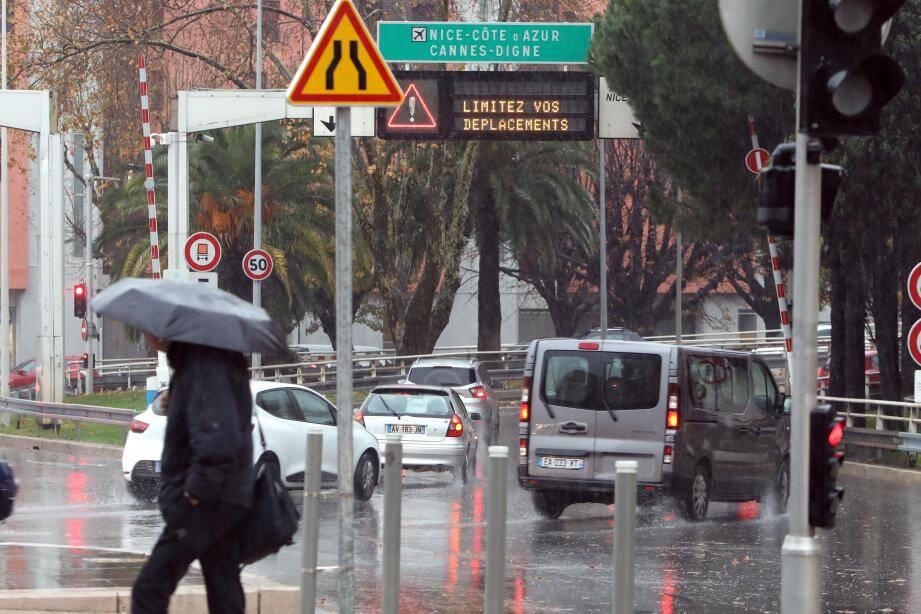 Le département des Alpes-Maritimes a été placé en vigilance orange ce vendredi. Ici une vue de l'entrée de la voie Mathis à Nice.
