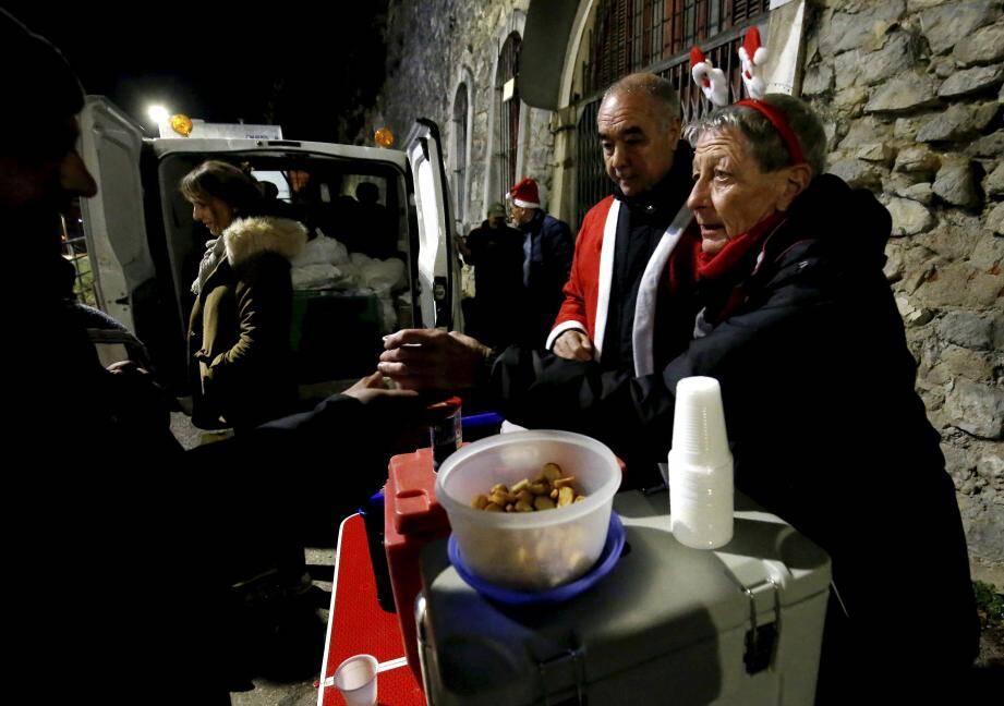 L'association Soupe de Nuit Monaco organise une maraude, tous les jeudis soirs à partir de 19 heures, au départ de la rue des Soeurs-Munet de Menton.
