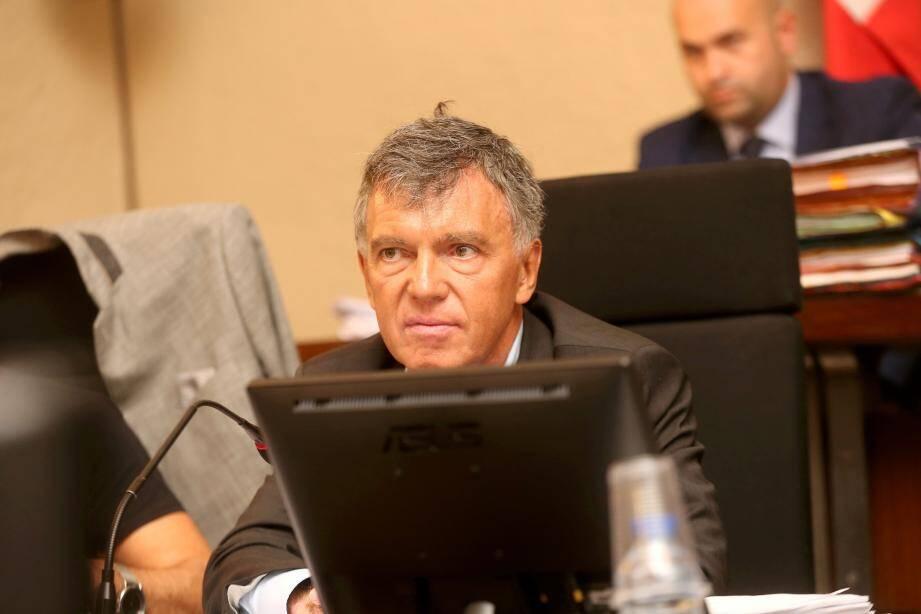 Dans un communiqué qu'il nous a fait parvenir, le maire de Fréjus, David Rachline, a décidé de retirer, ce jour, les délégations consenties à Richard Sert, premier adjoint.