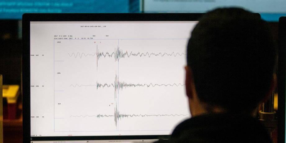 Illustration d'un sismographe.