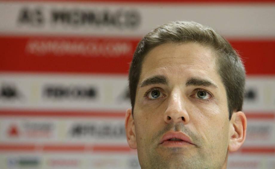 Robert Moreno en conférence de presse en présence ce lundi.