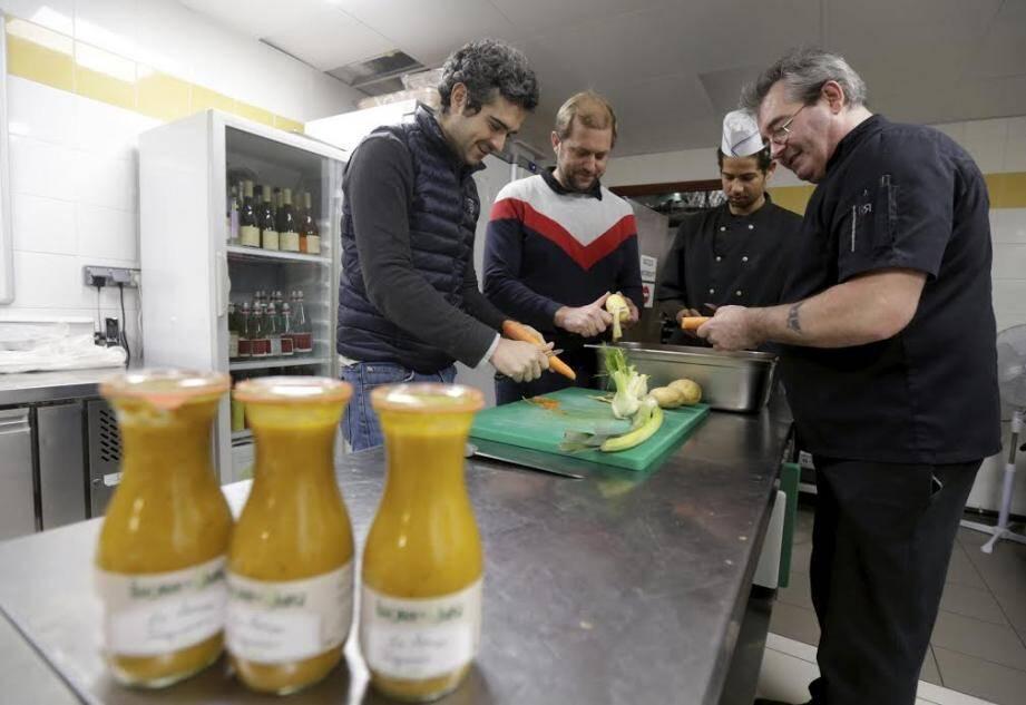 Dans les cuisines du forum Jorge-François, lundi matin.