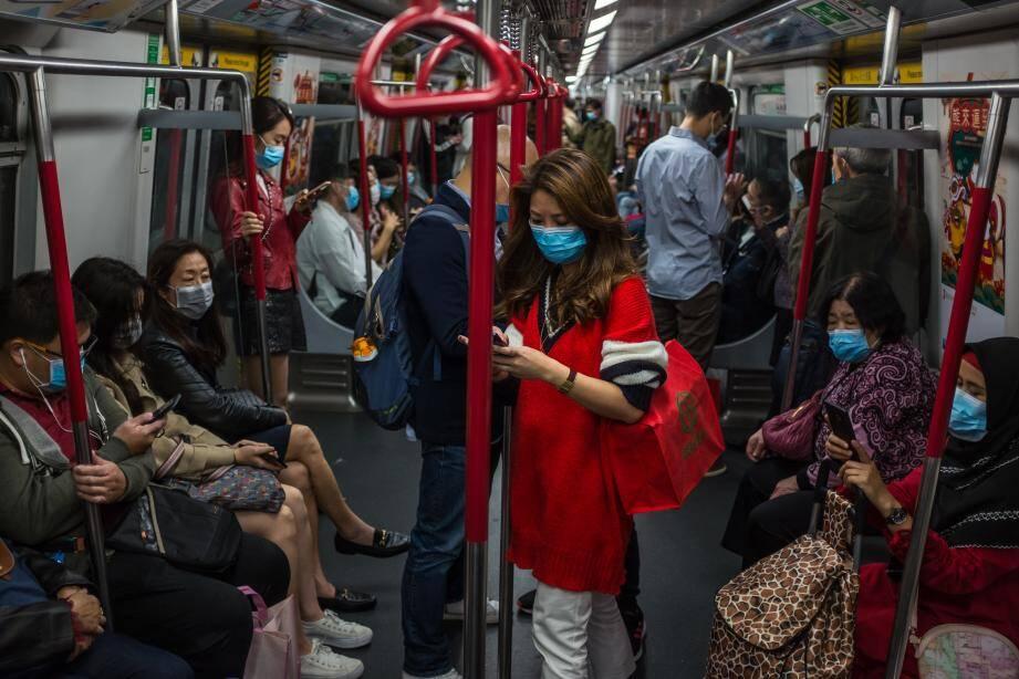 """L'épidémie de pneumonie virale qui a fait 41 morts """"s'accélère"""" et place la Chine dans """"une situation grave"""", a reconnu samedi le président Xi Jinping, appelant à renforcer l'autorité du régime communiste."""