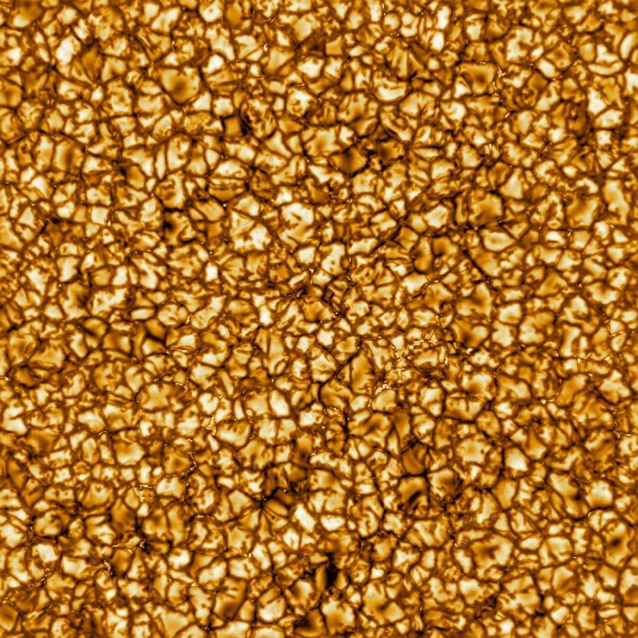 Photo non datée de la surface du Soleil prise par le télescope solaire américain Inouye avec une très haute résolution