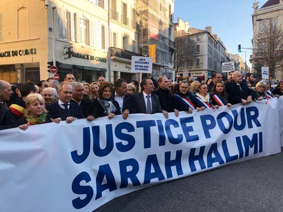 Des rassemblements se sont tenus en France, dimanche, comme ici, à Marseille.