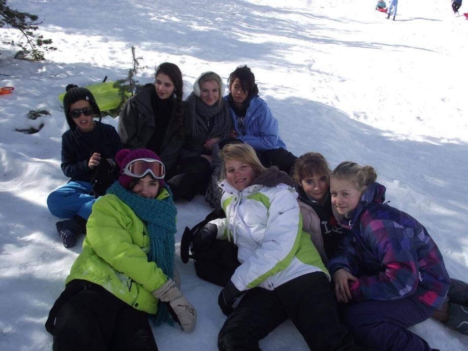 Des week-ends au ski sont organisés en janvier et février.