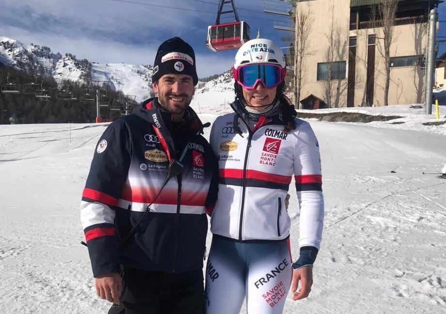 Nastasia Noens, avec Vincent Blum, coach de l'Equipe de France descendu aussi à Auron.