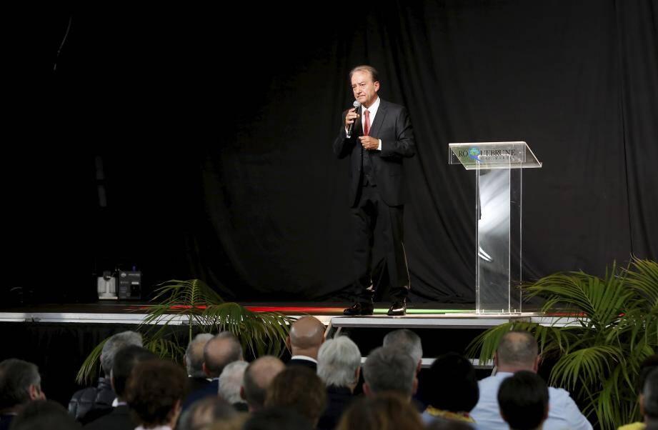 Près de quatre cents personnes étaient réunies sous le chapiteau de l'esplanade Jean-Gioan pour écouter le discours de Patrick Cesari.
