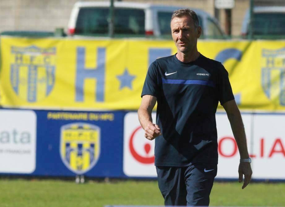 Passé par Toulon et Hyères notamment, André Blanc est le nouvel entraîneur du club six-fournais.
