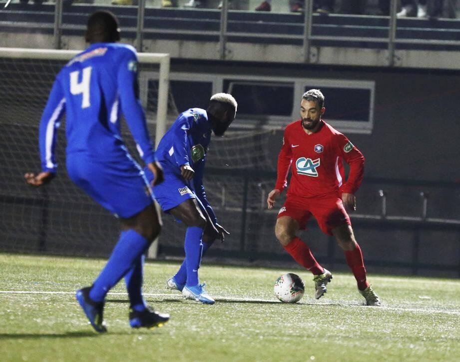 Les Grassois de Delerue (ci-dessus contre l'Athlético Marseille en Coupe de France le 7 décembre) ont raté leur rendez-vous.