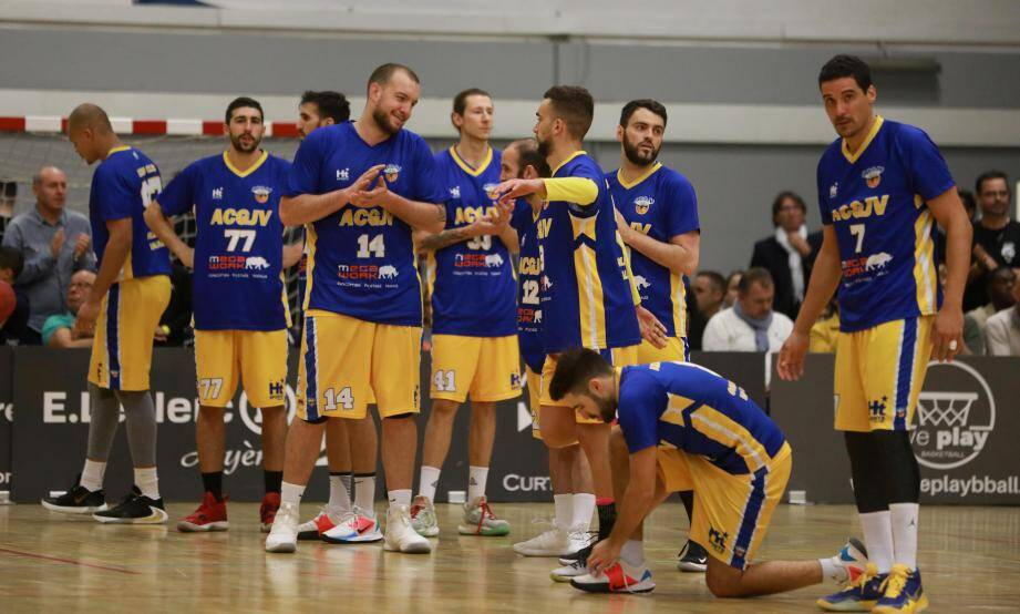 Les joueurs de l'Azurea, ici lors de leur victoire face à Toulon, terminent la phase aller sur un succès. Le 11e depuis le début de saison.