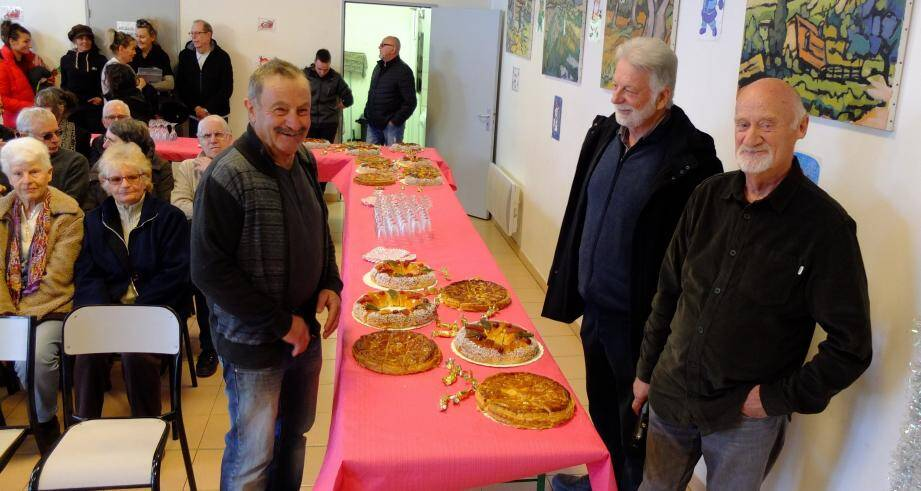 Autour du maire, Patrice Briandet, les deux adjoints, André Daumas et André Orsini.