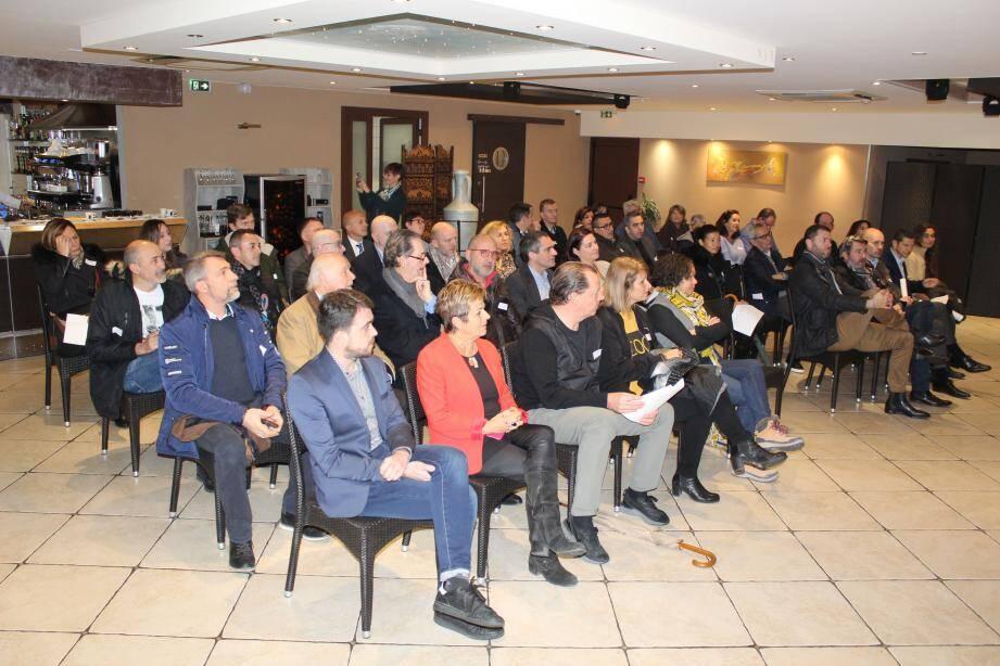Les entrepreneurs de l'Argile, l'ASSLAICA, la ville et la communauté d'agglomération travaillent ensemble au développement harmonieux de la zone d'activités.