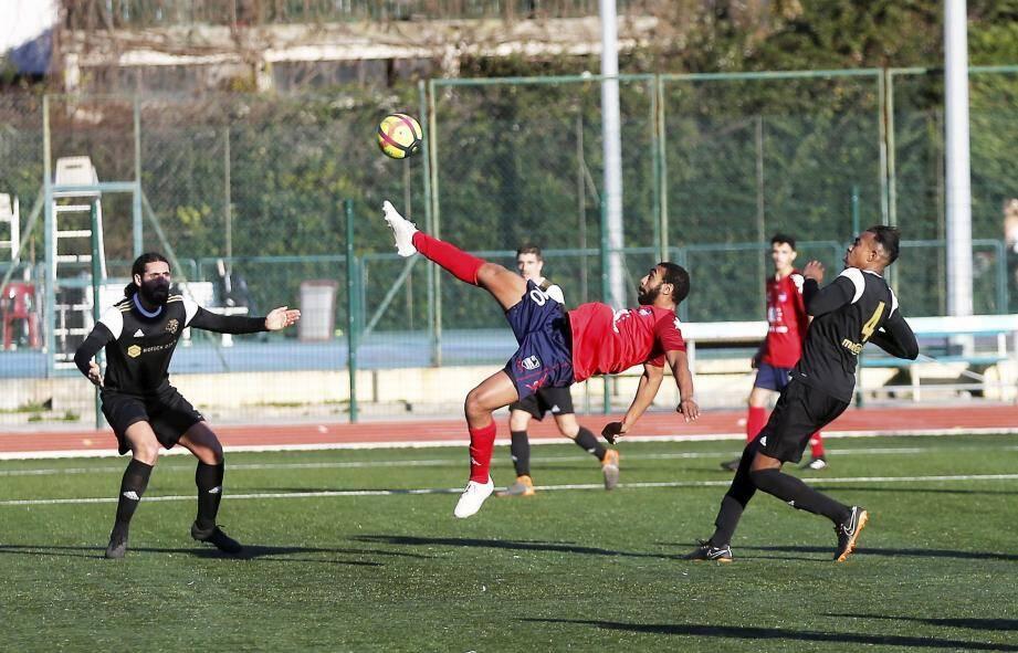 Les Cagnois de l'acrobatique Farssane restent sur cinq matchs sans succès.