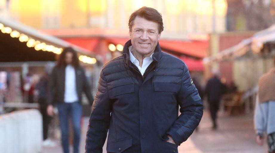 Christian Estrosi, hier après-midi, sur le cours Saleya : « Il faut rentrer, non pas dans une phase de transition [écologique], mais de rupture. »