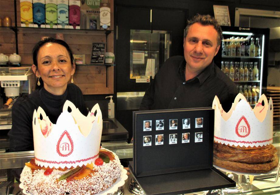 Cathy et Christophe Boutès dans leur boutique salon de thé La Tarte Mouginoise.