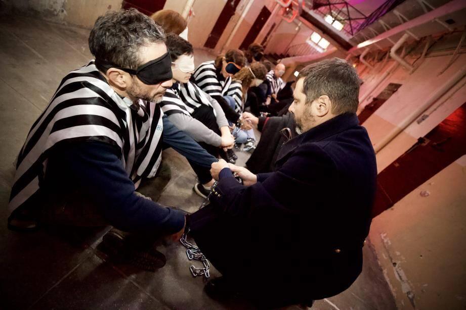 L'escape game dure 1h à 1h30 et se passe dans la partie centrale qui comporte les cellules des hommes.