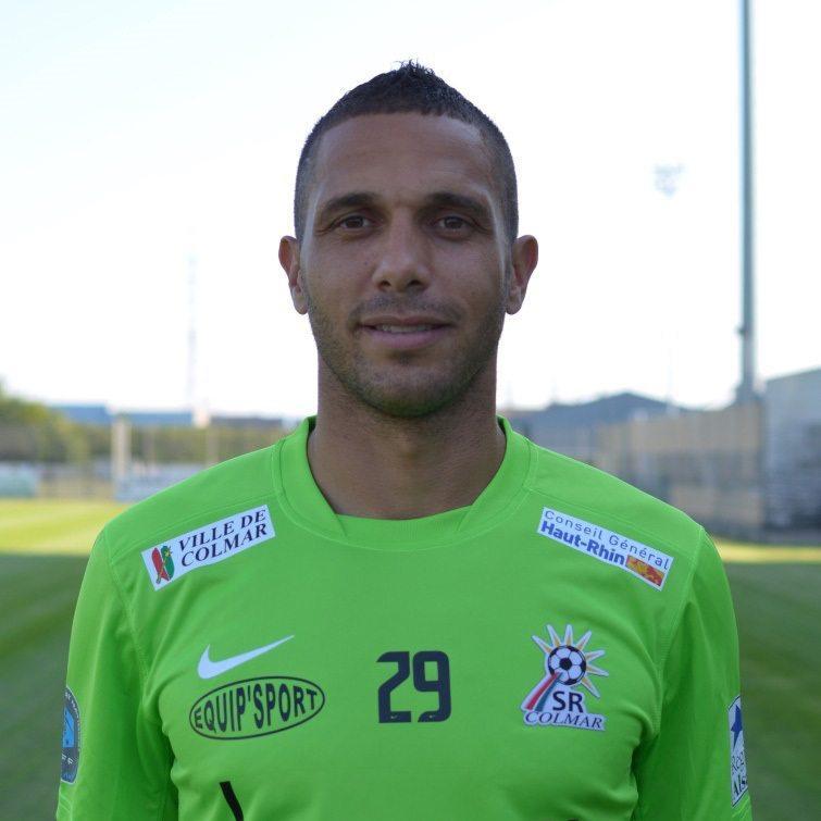Après une longue carrière en France et à l'étranger, le joueur révélé à l'Etoile, Henaini, est encore là pour aider Saint-Tropez.